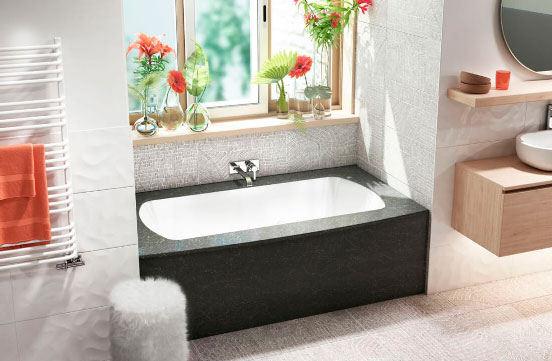 Monarch Grand Luxe Quartz skirt bathtub